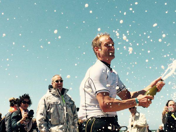 Casper Bouman wint ONK Marathon Windsurfen tijdens Ronde om Texel 2015