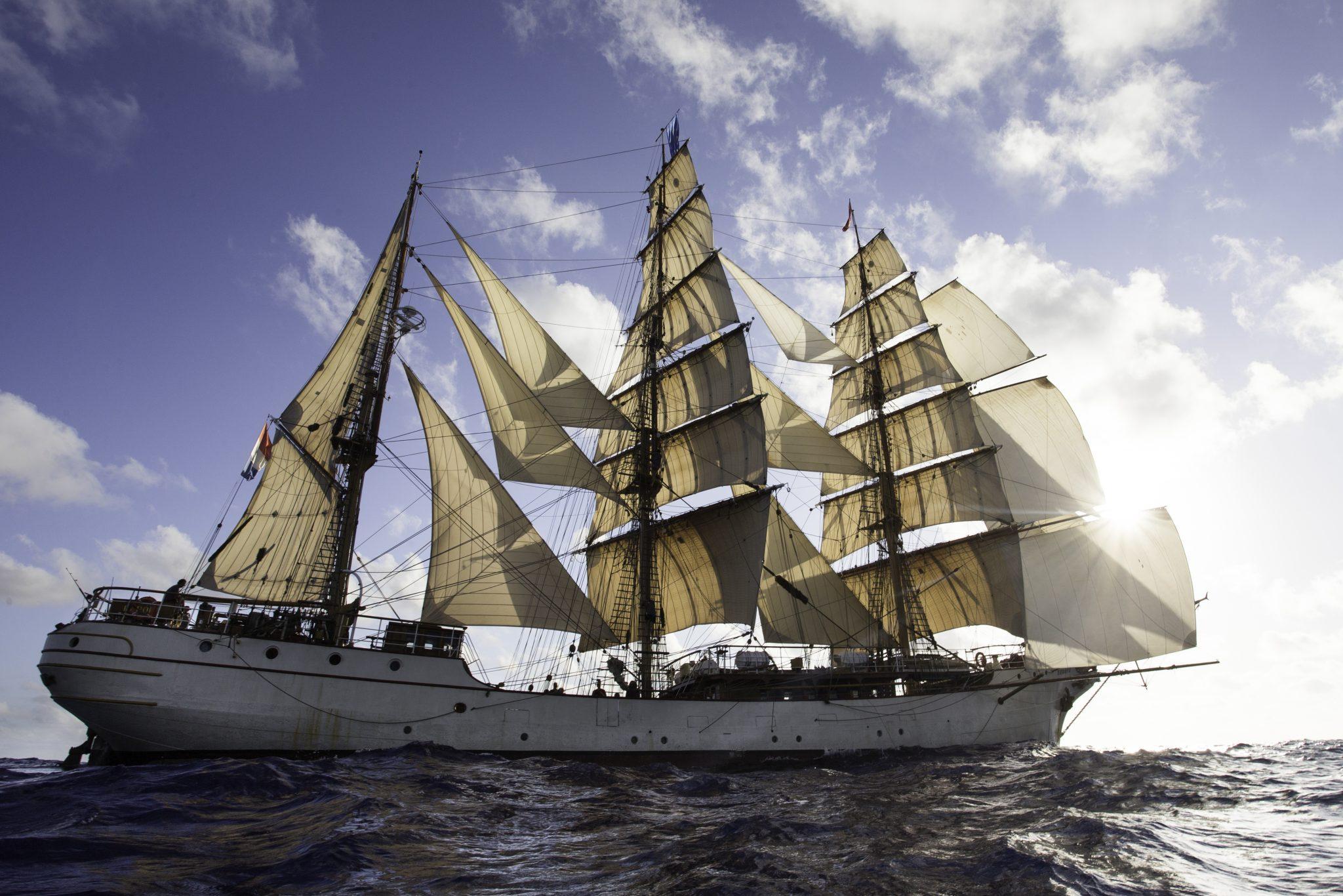 Haagse Tall Ship bark EUROPA onderweg naar Den Haag
