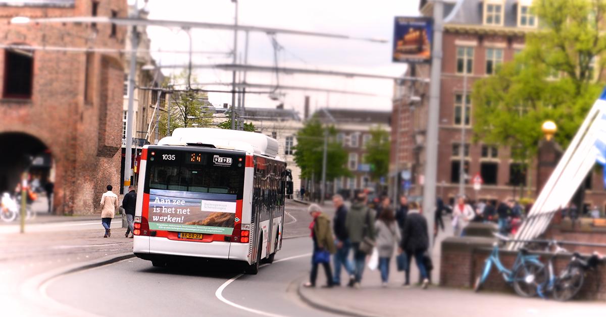 Campagne Stichting Marketing Scheveningen - Banner Aan zee is het net werken - Buitengewoon Scheveningen - Campagne Aan zee is het net werken